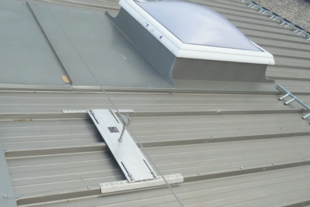 TRAPEZOIDAL ROOF
